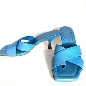 Zara padded soft leather square toe sandal 38